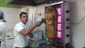 Ali Raza, pizza e kebab in corso Cavour